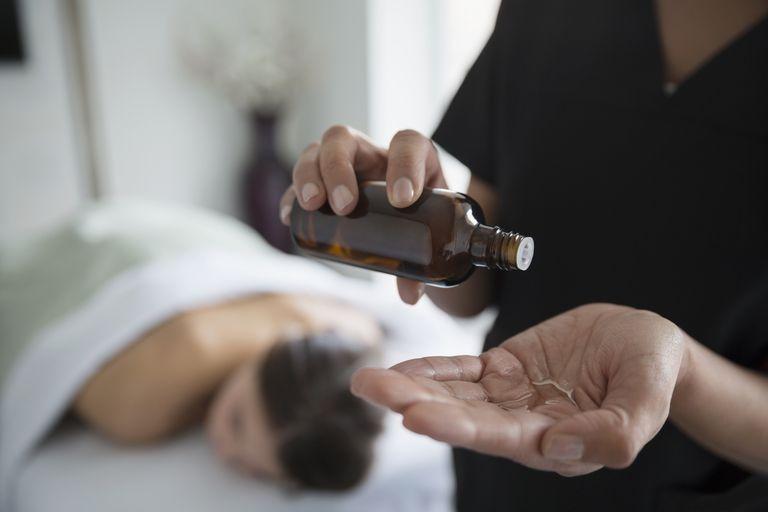 Выбираем масло для массажа тела: какое лучше