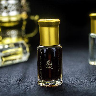 Удовые ароматы: чем пахнет черное парфюмерное золото и почему его популярность растет с каждым днем?